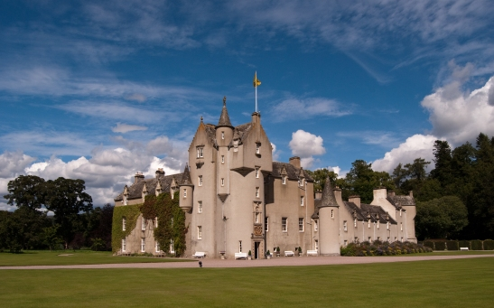 Ballindalloch is one of the most beautiful and renowned castles in Scotland. Known as the Pearl of the North, it is located in the heart of Speyside, near to the famed local whisky distilleries of Cragganmore, Glenlivet, Glenfarclas and Glenfiddich. Surrounded by majestic hills, and with the tumbling waters of the Rivers Spey and Avon flowing through the grounds, the setting is truly magnificent.