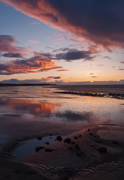 This is from a wee walk on the West Beach the other evening, the longer evenings have been great but I have been unable to grab the opportunities with a multitude of personal inputs. I have a horrible feeling my last year in the RAF is going to be like this. Where I hope to ease in to my new career but the reality wont allow me to go quietly. This typical Moray lots going on - texture and light changes, reflections etc etc - I hope you enjoy. Your continued support is appreciated and highly motivational - Scott