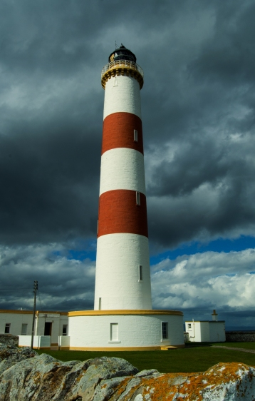 Come on there has been at least a few shots since my last proper Lighthouse - this however has 2 red rings and some wicked moody sky - seriously what more do you want from me :-) Oh did I mention we were off to see Wishbone Ash in Concert - enjoy