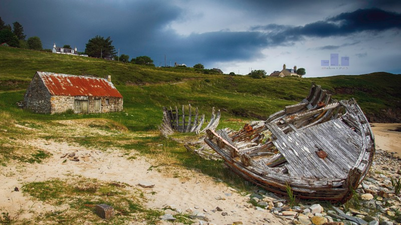 One of the hardships of shooting property for a living is the fact that you have to travel to photograph the properties. Unfortunately for me I had to head up towards Kyle of Tongue (Mandy and I even managed to turn it in to an overnighter - benefits of freelance) where I found this magical combination of a rustic abandonment and wrecked boat - throw in a dark sky and  light over my shoulder and voilà - enjoy