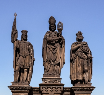 Charles Bridge Figure 2