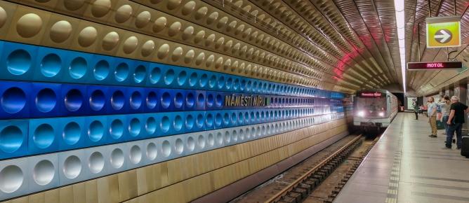 Metro Namesti Miru