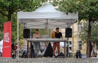 The DJ 3